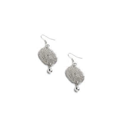 Orecchini pendente con goccia microfilo e ganci monachella. Placcati in argento con ganci ipoallergenici., nickel tested.