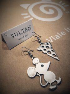 Orecchini Sultan collection forma topo e formaggio