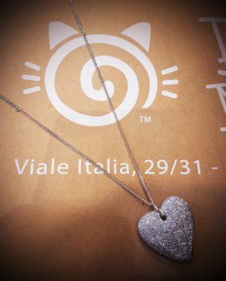 Pendente catena cuore pieno bombato by Vestopazzo in alluminio riciclato diamantato - Bigiotteria Pois Nero Ladispoli - www.poisnero.it