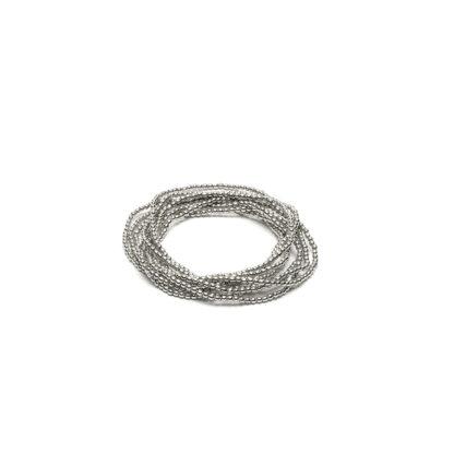 Bracciale elastico 1 filo microsfere by Vestopazzo. Bigiotteria placcata in argento, nickel tested.