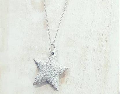 Collana lunga Stella by Vestopazzo in Alluminio diamantato. Pois Nero Ladispoli - www.poisnero.