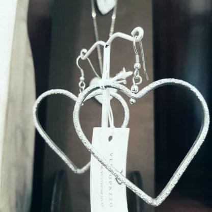 Orecchini Cuore vuoto medio Vestopazzo in Alluminio diamantato. Pois Nero Ladispoli – www.poisnero.it
