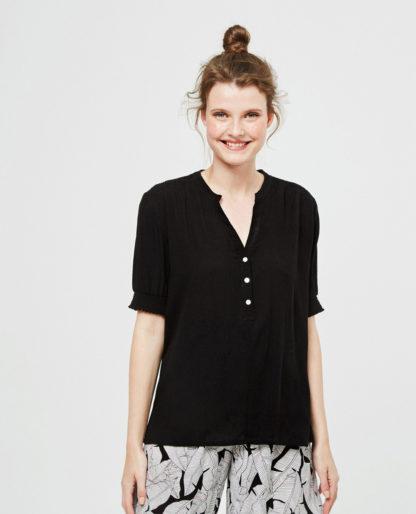 Blusa nera maniche corte con elastico in Viscosa by Surkana.
