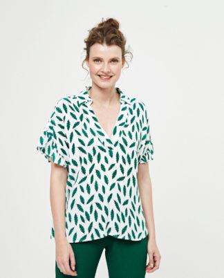Blusa collo tipo camicia manica con volants by Surkana