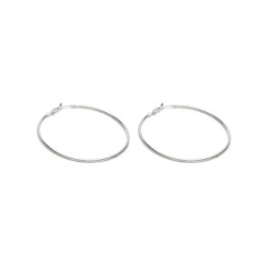Orecchini maxi cerchio con chiusura a scatto. Placcata in argento con ganci ipoallergenici, nickel tested.