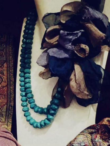 Collana fiori seta blu