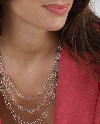Collana 3 catene con mini cerchi, elementi placcati in argento. bigiotteria nickel tested.