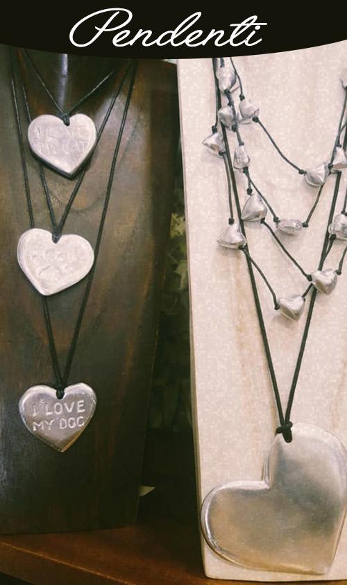 Pendenti lunghi, corti, in alluminio, argento, lega Zama, ottone.
