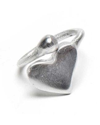 Anello regolabile Cuore in alluminio riciclato.