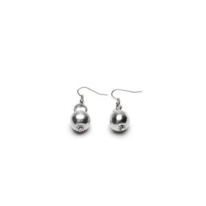 Orecchini una perla in alluminio, leggeri e privi di nichel.