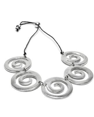 Collana 5 spirali realizzata 100% in alluminio riciclato. Anallergica e inossidabile, lavorata a mano.